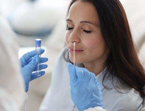 ¿Cómo se realizan los test para diagnosticar la COVID-19?